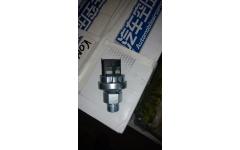 Датчик давления масла М18х1,5 (4контакта + штеккер 2контакта) SH фото Россия